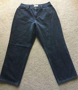 L.L.Bean Classic Fit Curvy Womens 14 Petite Black Denim Jeans OHVS8 34x28 Mom