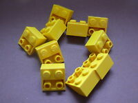 Lego 10 pieces jaunes inclines inversees / 10 yellow slope inverted 45° 2 x 2