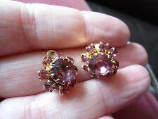 GRAZIOSA COPPIA DI oro placcato color ametista e rosa in vetro fiore clip SU ORECCHINI piccoli,