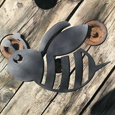 Rustic BLACK BEE Sign Metal Home Garden Ornament Animal Feature Wall bumblebee