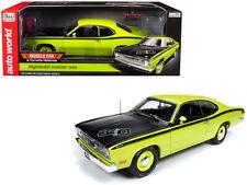 Auto World 1:18 1971 Plymouth Duster 340 & Black Hood Model Yellow Green AMM1154