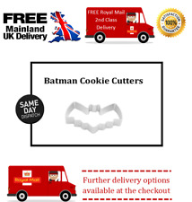 Small bat cookie cutter for fondant icing.Cake, cupcake, & biscuit decorating