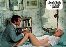 ANNIE BELLE - ZUR LIEBE GEBOREN: 1 Aushangfoto  (Erotik, Sex, Busen) -6-