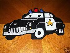 SHERIFF CAR WALL HANGING IN PLASTIC CANVAS