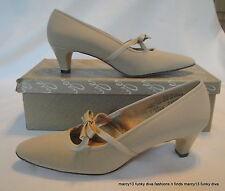 Nos Nib Cute Vintage Naturalizer 60's Beige Low Heels w Bow Accents Size 7 A
