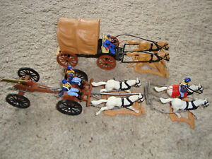 !!! ORIGINAL TIMPO TOYS - COACH AND GUN CARRIAGE - N EXCELLENT CONDITIION !!!