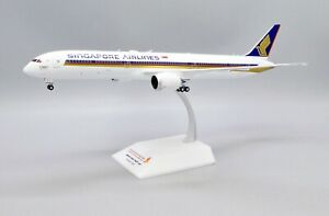 JC Wings 1:200 Singapore Airlines B787-10 '1000th 787 - Flaps Up' 9V-SCP