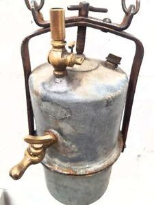 antiguo y gran CARBURO de minero mina con detalles de laton lampara antigua