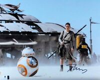 Daisy Ridley Signed Autographed 11X14 Photo Star Wars The Force Awakens GV852304