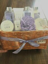 Home Spa Gift box big Basket Body & Earth 8 Pc Bath Set Luxurious Lilly New Gift