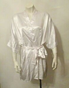 Frederick's of Hollywood Bridal Silky Satin 3/4 Sleeve Belted Robe Lounge Wear M
