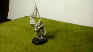 Warhammer Lord Of The Rings ' Rohan Banner Bearer ' Pose 2