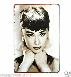 COLLECTIBLE VINTAGE THEMED SIGN: HOLLYWOOD SILVER SCREEN LEGEND AUDREY HEPBURN