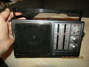 Very nice GE 7-2945A 4 Band TV/WB/AM/FM Receiver Radio.  Working fine.