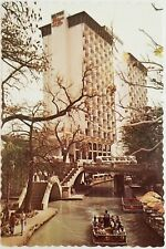 Paseo del Rio Hotel Hilton SAN ANTONIO Riverwalk Texas Postcard Bridge Tree Boat