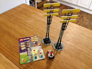 Lego Sports Soccer Set 3313 Light Poles (1998).