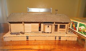 H0 scale Plasticville OLD TIME STATION 2910 - Excellent Condition