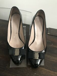 Salvatore Ferragamo Womens Patent Leather Silver Bow Pumps Black Size 7.5