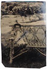 FERROTYPE PHOTO 1/2 plaque enfant sur banc de jardin en bois P621