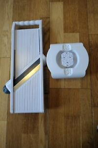 Mandoline Slicer with Hand Guard White