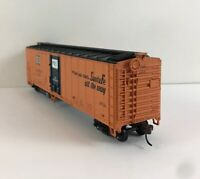 50'  Smooth Side Reefer - ATSF - Athearn Ready to Roll HO Scale