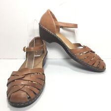 Women's CLARKS Brown Saddle Tan Medium Heel Fishermen Sandals Size 9.5 M