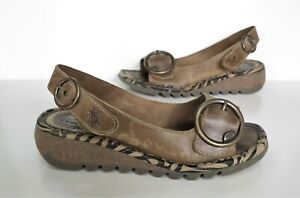 Ladies FLY LONDON ' TRAM ' Brown leather Low Wedge Sandals/Shoes Size 6