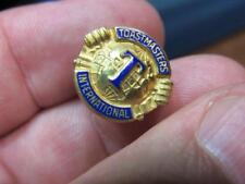 Fraternal International toastmaster pin (18F3)