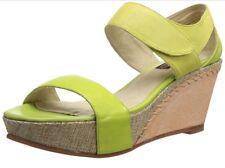NWOB Womens 8.5M Everybody By BZ Moda Ocra Platform Wedge Sandal - Green Multi