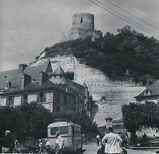 LA ROCHE GUYON c.1957 - Autos Car Touristes Le Château  Le Donjon  - DIV 9540