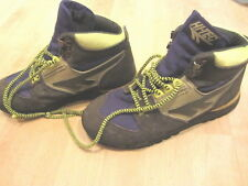 VINTAGE HI-TEC RUGGED OUTDOOR BOOTS W/ METAL SHOESTRING CLASPS Size 7.5 US