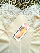 FRENCH 1950s GLAM BOMBSHELL LINGERIE SLIP~LIGHT PEACH & WHITE CHANTILLY LACE~S/M