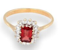 9Carat Yellow Gold Garnet & Simulated Diamond Cluster Ring (Size K)