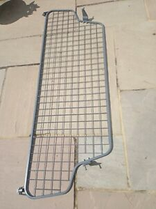 Land Rover Discovery Half Height Mesh Dog Guard