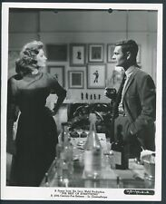 SUZY PARKER LOUIS JOURDAN in The Best Of Everything '59 BOTTLES
