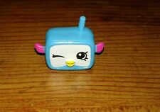 Shopkins season 5 special edition petkins  Snorky blue sport fish 5-008
