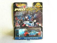Hot Wheels #43 STP 1998 Pontiac Grand Prix - Pit Crew 1:64 Diecast Car