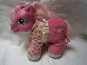 """COLLECTABLE MY LITTLE PONY """" PRETTY POWDER """" SHE LAUGHS & SIGHS BATTERY OPERATED"""