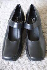NINE WEST Sleek VANNA Black Wedge Mary Jane molded hipster heel platform 5.5