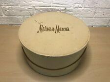 Vintage Cream Neiman Marcus Designer Luxury Hat Box M5