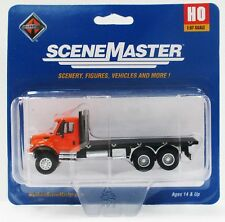HO Scale Walthers SceneMaster 949-11651 International 7600 3-Axle Flatbed Truck