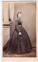 CDV Alessandria Ritratto di donna malinconica Albumina 1860c E. Carrani Vi79
