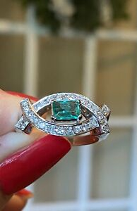 18K WHITE GOLD NATURAL EMERALD AND DIAMOND RING - APPRAISAL $3,020 - No Reserve