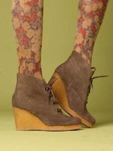 Grey Suede Lace Up Cordani Quinton Wedge Ankle Booties size 9
