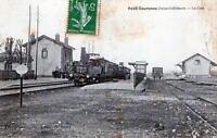 CPA 76 PETIT COURONNE LA GARE (TRAIN EN GARE BELLE CPA