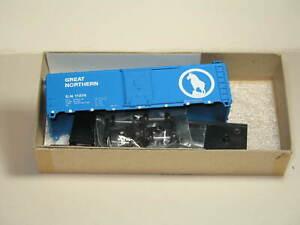 ATHEARN  40' BOX CAR GN #11374