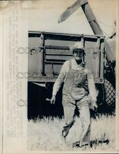 1973 Press Photo North Dakota Governor Arthur Link Wearing Overalls by Combine