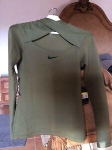 Nike top warm