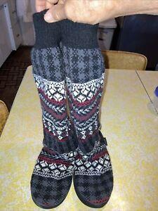 "Muk Luks women's Black/grey/red/white size L 8/9-17"" tall Sweater slipper boots"