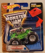 Hot Wheels 2016 Monster Jam Grave Digger Zamac w/Blue Stunt Ramp